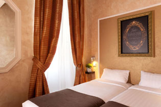 05hotel-paris-saint-paul-le-marais